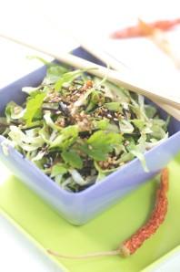 spicy spidskålssalat m. chili og koriander | Kødfri fredag