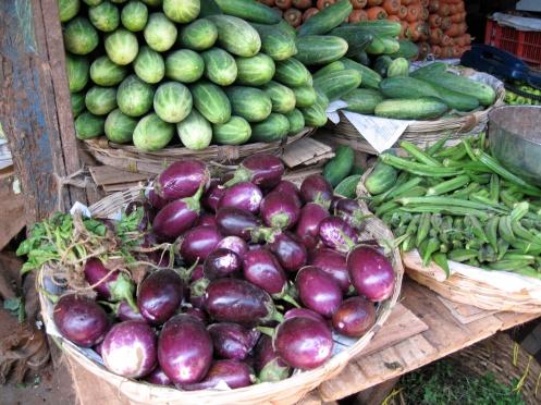 auberginer og agurker