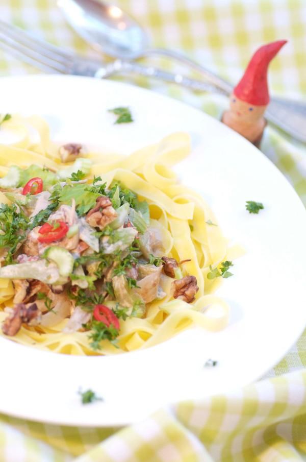 pasta med valnødder og bladselleri.2