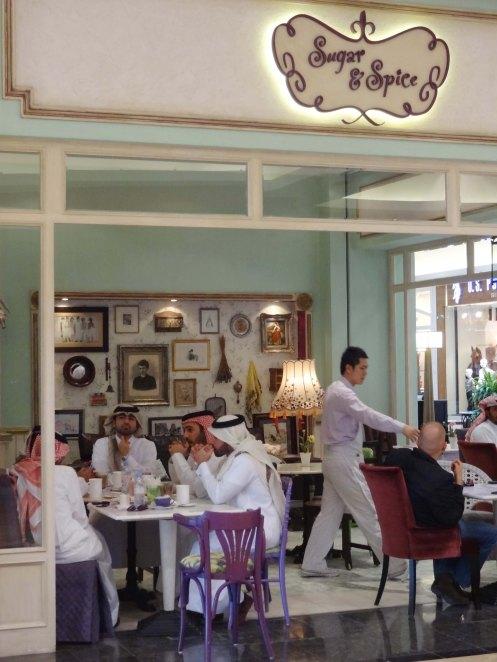 Doha.mænd på cafe