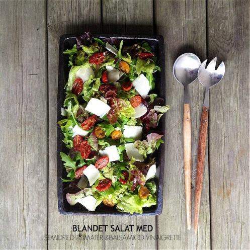 Salat med semidried tomater og balsamico vinaigrette - Mit livs kogebog
