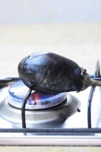 aubergine på gas