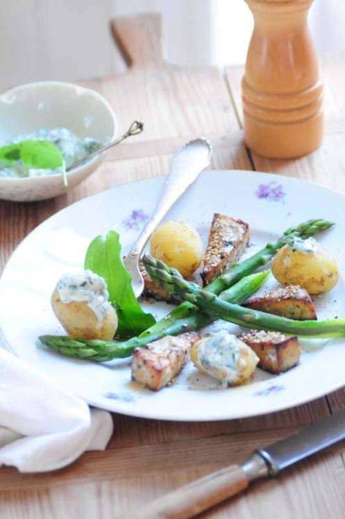 glaseret tofu m asparges