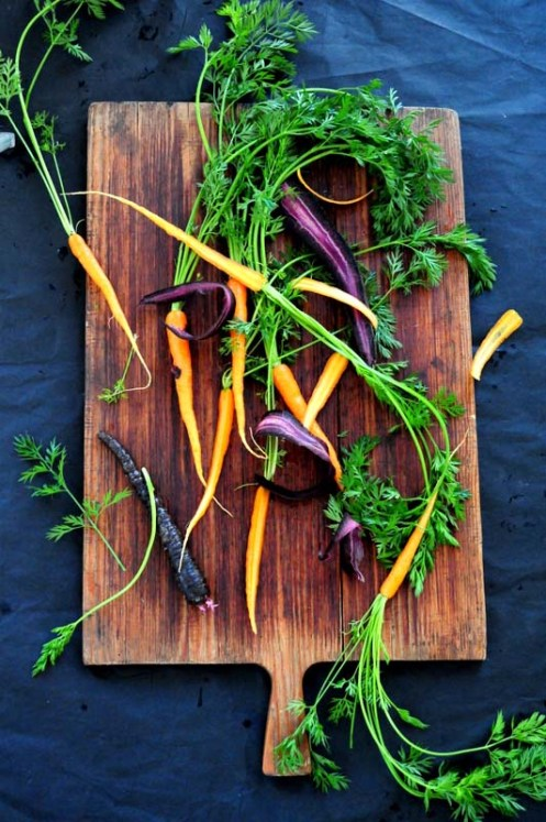 gulerødder på bræt